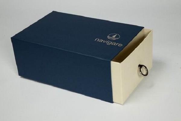 In hộp đựng giày nắp trượt