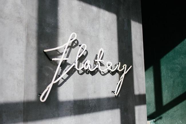Cảm hứng từ bộ nhận diện thương hiệu Pizza Flatey 3