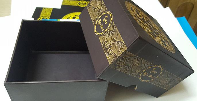 Nhận sản xuất làm hộp cứng, hộp đựng quà, hộp giấy cao cấp hcm 2