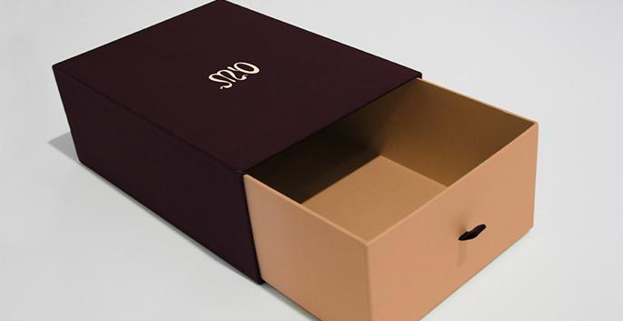 Nhận sản xuất làm hộp cứng, hộp đựng quà, hộp giấy cao cấp hcm 3